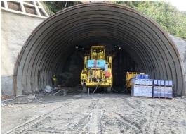 名護トンネル03