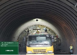 名護トンネル07