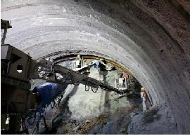 名護トンネル08