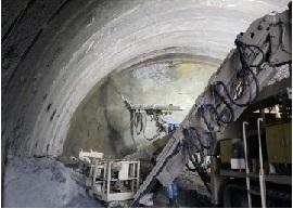 名護トンネル09