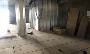 17 5階床下地組み状況