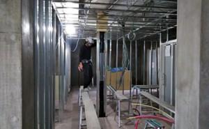 17 8階~9階軽鉄下地ボード貼状況